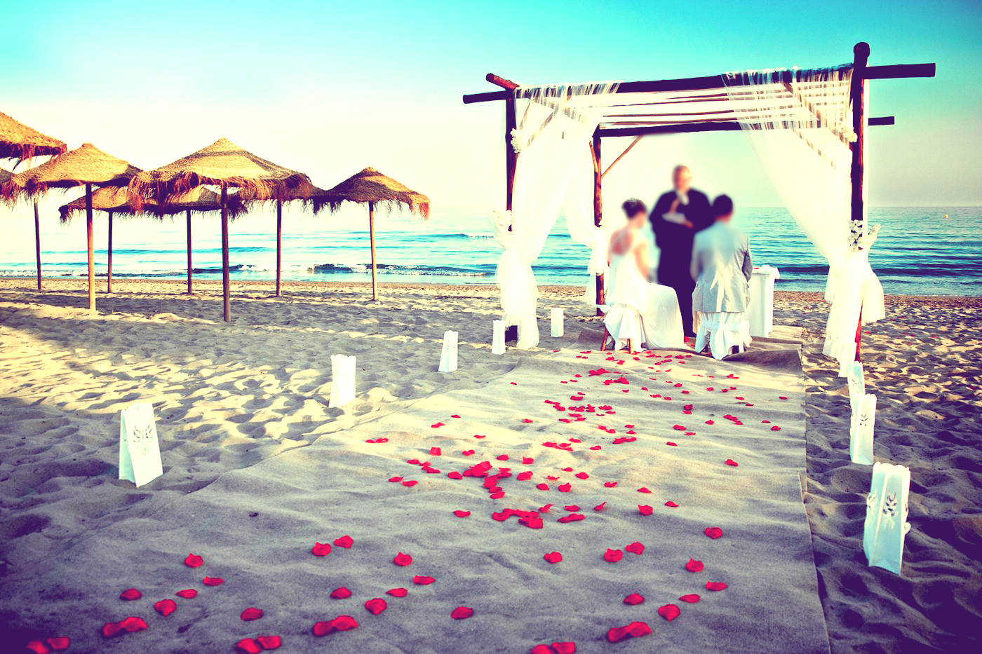 Wedding beach italy wedding on the beach in italy beach for Romantic places to get married